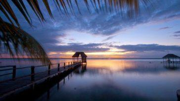 Bacalar: laguna de siete colores un tesoro natural en Quintana Roo