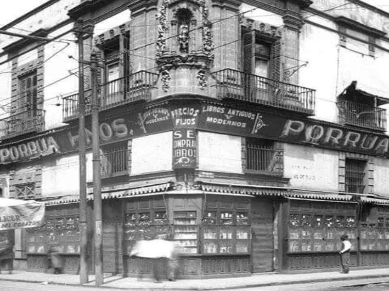 Calle Justo Sierra esq. Rep. de Argentina- Casa Porrúa