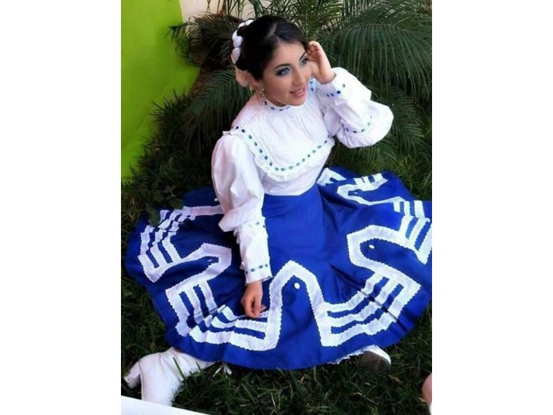 Traje típico de Nuevo León femenino