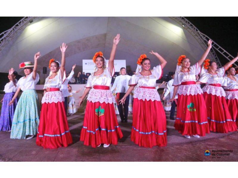 Trajes típicos de México: Traje maya de Quintana Roo