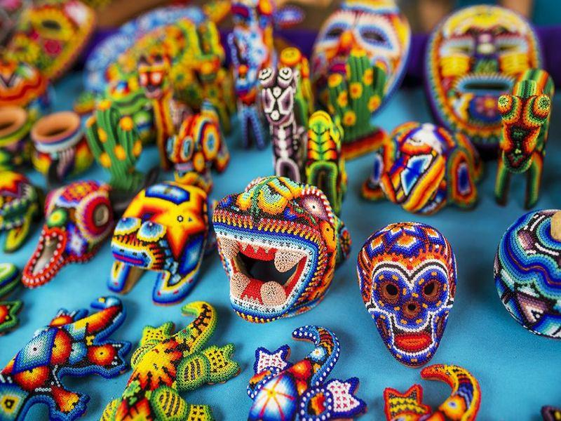 Figuras que realiza el Arte Huichol