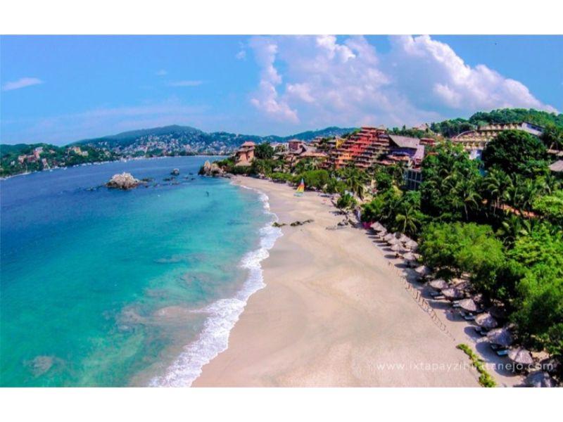 Playas de Ixtapa Zihuatanejo: La Ropa