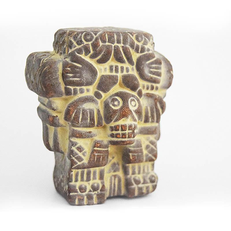 Coatlicue Réplica de la madre de todos los dioses Aztecas